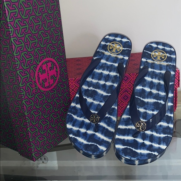 cb19e9728 Tori Burch flip flops with wedge size 10. M 5c719771819e9018463bec57